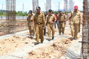 Pastikan Kesiapan ,Wali Kota Jayapura Tinjau Pembangunan Venue Penunjang PON