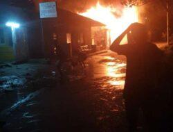 Belasan Bangunan di Kali Acai Abepura Hangus Terbakar