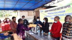 Komisi II DPR Papua, Berikan Bantuan Mixer Untuk Pengelolaan Sabun Buah Merah