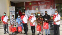 Dekranasda Kota Jayapura Serahkan Bantuan Hibah Mesin/ Peralatan Dan Bahan Baku kepada 124 Pelaku Usaha