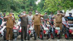 Reses, Sulaeman Hamzah Serahkan Alsintan untuk Petani Keerom